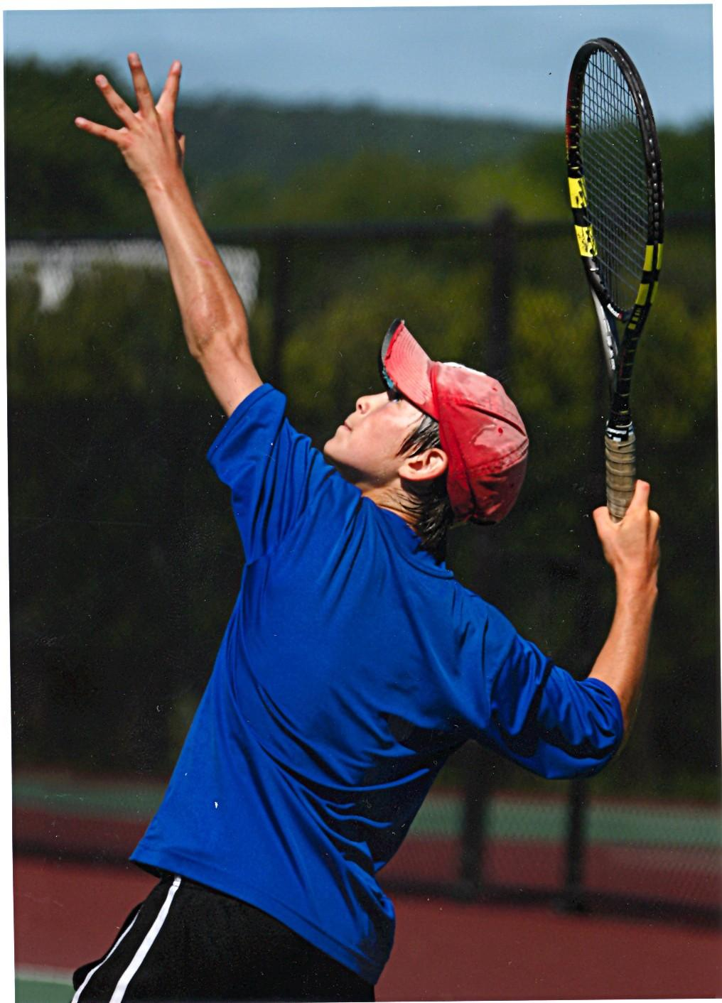Hirschberg Serves as a Vital Aspect of Varsity Tennis