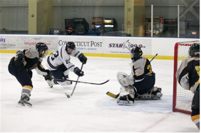 Wrecker Hockey Falls to Ridgefield Tigers