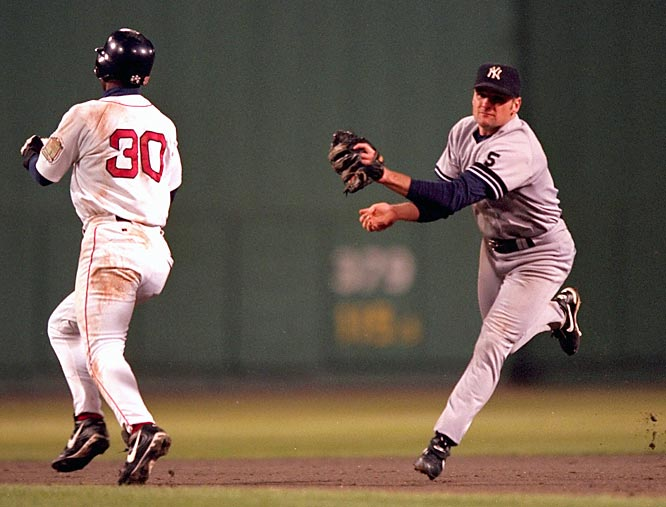Chuck Knoblauch (right) tags Jose Offerman in the 1999 ALCS | Photo courtesy of Sports Illustrated