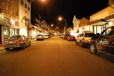 A Tale of Two Towns: How does Westport's downtown nightlife compare to that of neighboring Fairfield?