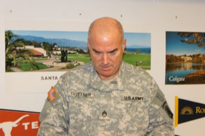 Oct. 24, 2012 | Army Sergeant of Natl. Guard Visits Staples