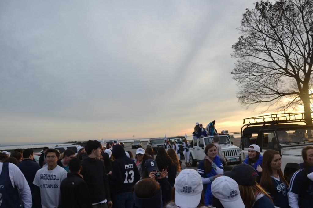 Nov.+15%2C+2012+%7C+Seniors+Gather+for+Motorcade