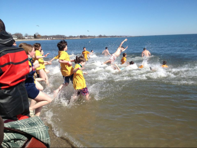 "Fairfield County Residents Take the ""Penguin Plunge"""