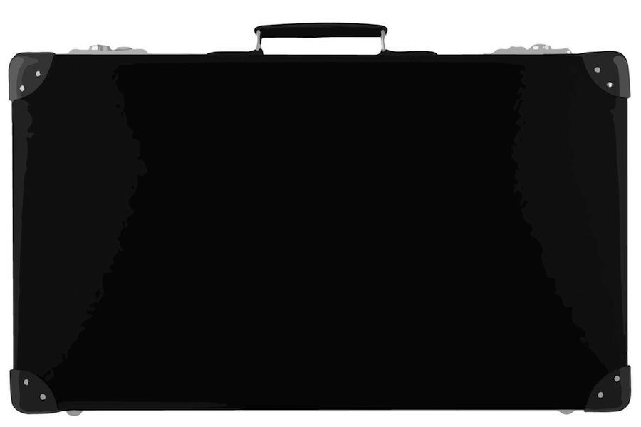 Players+open+an+%E2%80%9CInfinite+Black+Suitcase%E2%80%9D