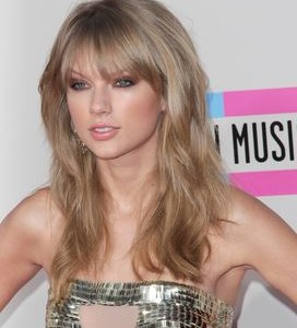 """Taylor Swift debuts her pop-star persona with """"1989"""""""