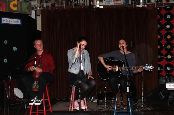 The Nerdfighters Club raises money through music