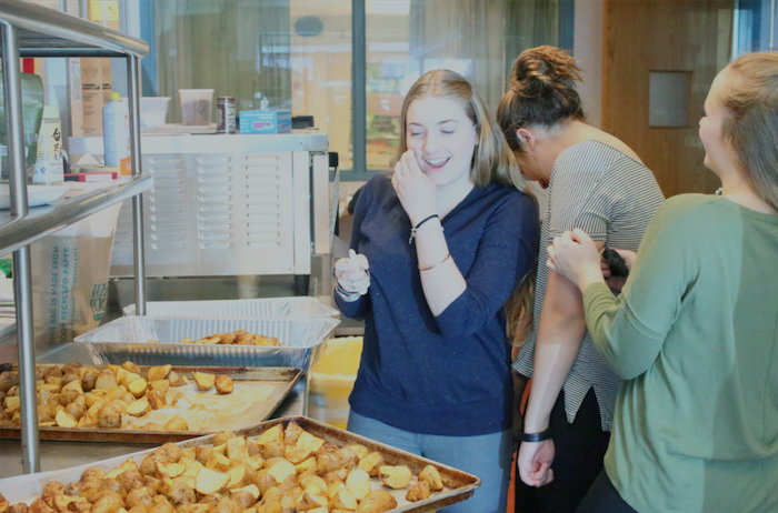 Students spice up their schedules with cooking classes