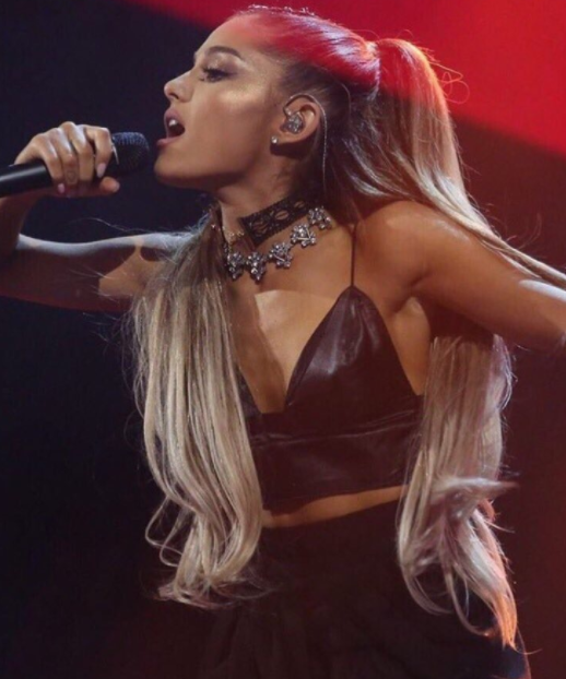 Ariana+Grande+lights+up+Madison+Square+Garden