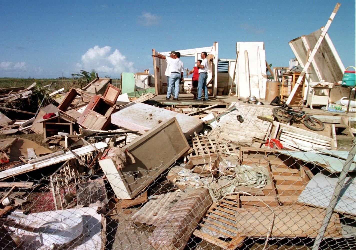 Puerto Rican Governor Scraps $300 Million Energy Contract
