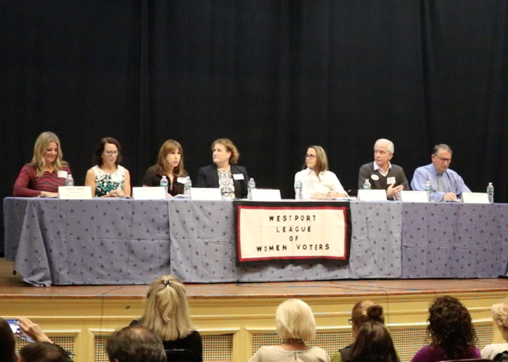 Board+of+Education+candidates+debate+at+town+hall