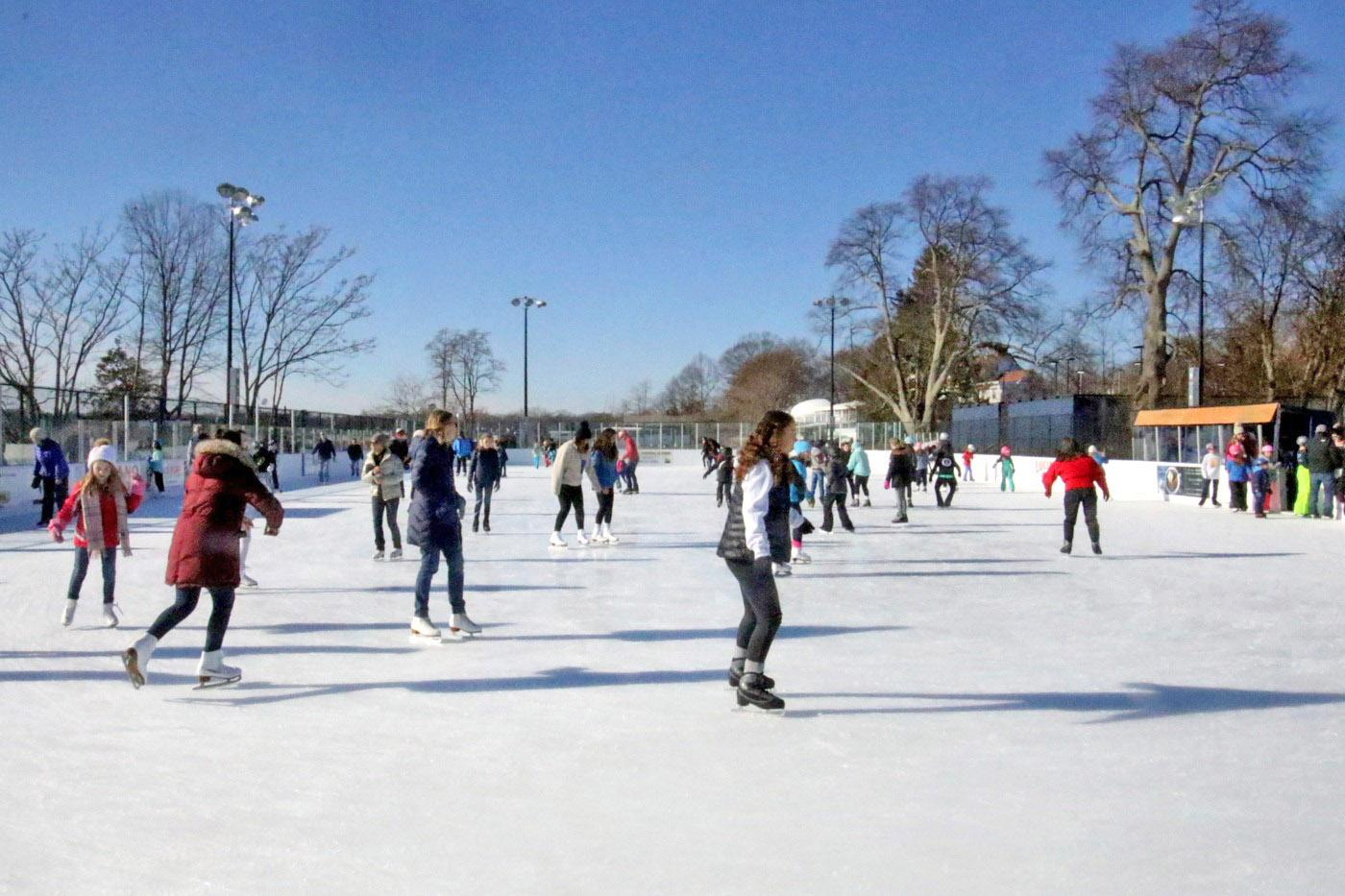 Westport citizens skate into the winter season