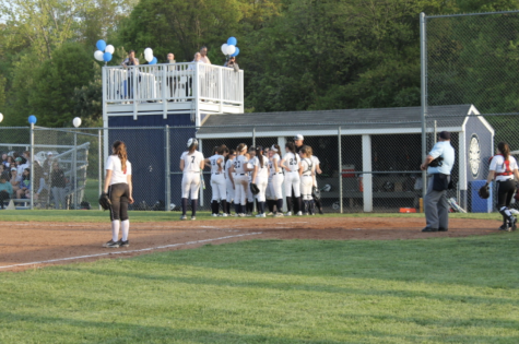 Girls' softball succumbs to defeat against New Canaan