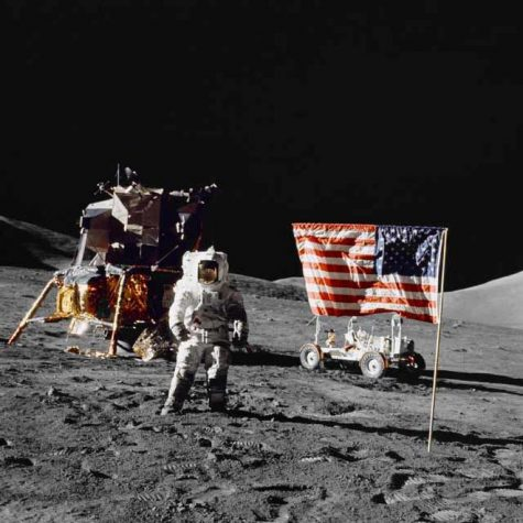 "US flag planting unnecessarily omitted from Neil Armstrong biopic ""First Man"""