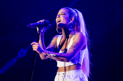 """Halsey returns to spotlight with """"Without Me"""""""