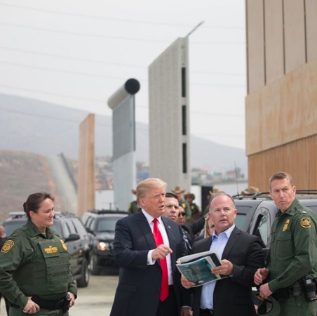 Trump declares national emergency over border security dispute