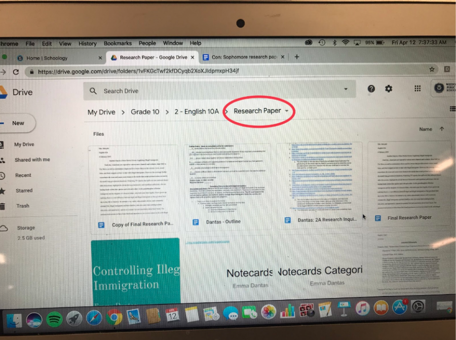 Sophomore research paper provokes anxiety – Inklings News