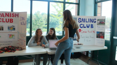 Staples Involvement Fair excites students with various clubs