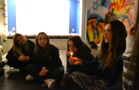 Jewish teen girls gather to learn about Judaism while having fun.