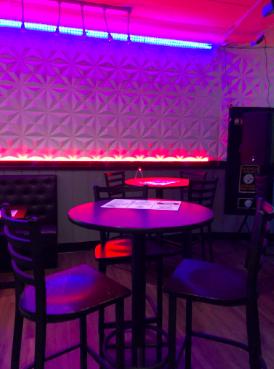 Students find teen-friendly restaurants