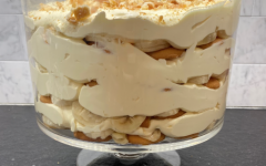 This banana pudding recipe is quick and easy but tastes like you spent days in the kitchen working on it. It is the perfect dessert to enjoy safely with family and friends and is a great quarantine activity.