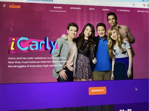 Nickelodeon show iCarly emerges on Netflix, bringing excitement to former fans