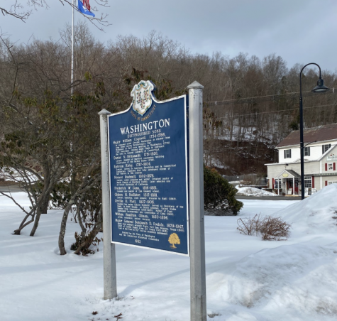 """Washington, Connecticut offers """"Gilmore Girls"""" fans a glimpse into what life would be like in Stars Hollow, showcasing its businesses, history and camaraderie."""