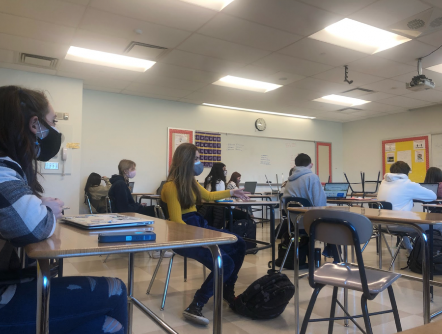 On Thursday, March 25, Staples High School returned to full in-person learning, shifting from the 75% capacity model that had been in effect since March 1.
