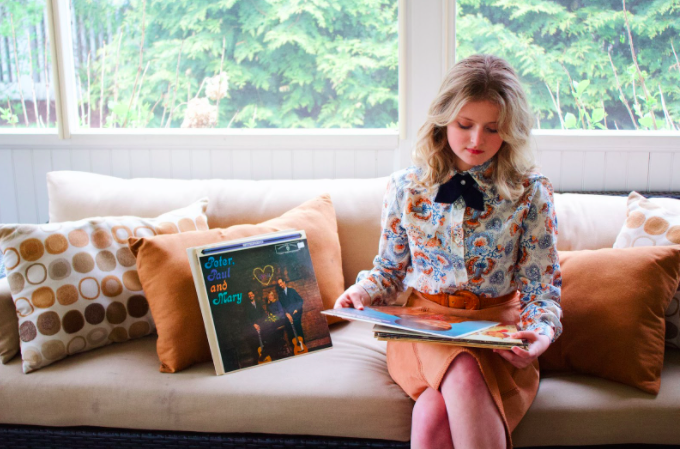 Emily Desser '22 dresses in vintage clothing and immerses herself in 60s and 70s style and culture daily.