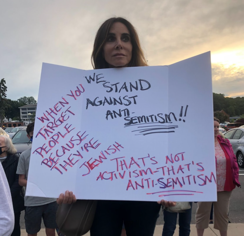 On June 2, Fairfield County came together to stand against antisemitism. People of all religious denominations and ages attended in solidarity against the rise in antisemitic hate crimes and violence both in the United States and the larger global community.