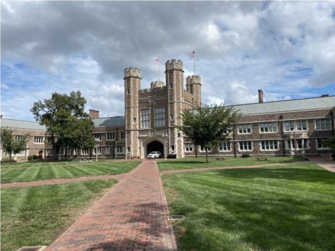 Traditional campus tours are still limited because of COVID-19 regulations, but schools like Washington University in St. Louis (above) are beginning to offer self-guided tours. Visitors are given maps, phone apps or instructions to take them around to staple landmarks on campus.