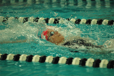 Neuhaus '10 Breaks Swim Record