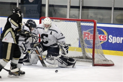 Staples Boys Hockey improves to 2-0 with win over Joel Barlowe