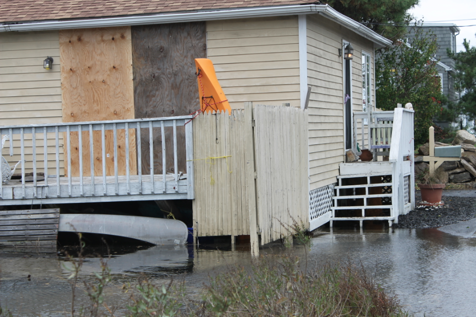 Many+homes+have+already+been+flooded.