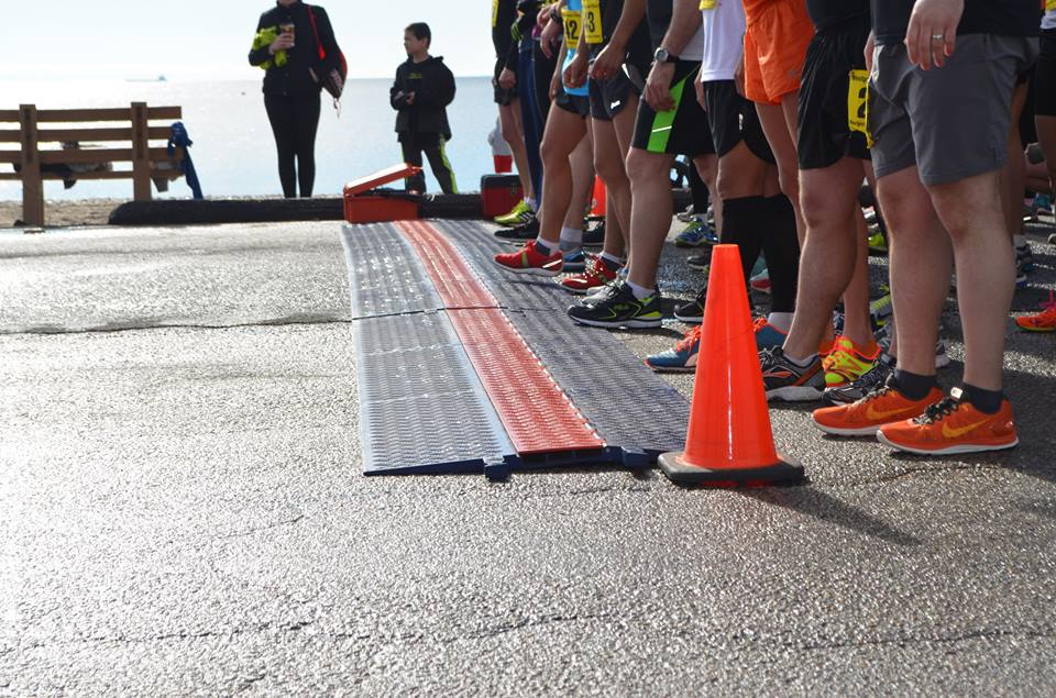 The 10k runners line up and prepare to complete the 6.2 mile course.