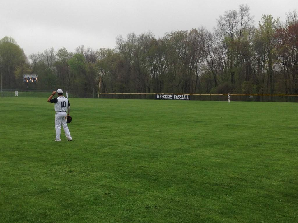 Staples Baseball rolls to victory and top spot in the FCIAC