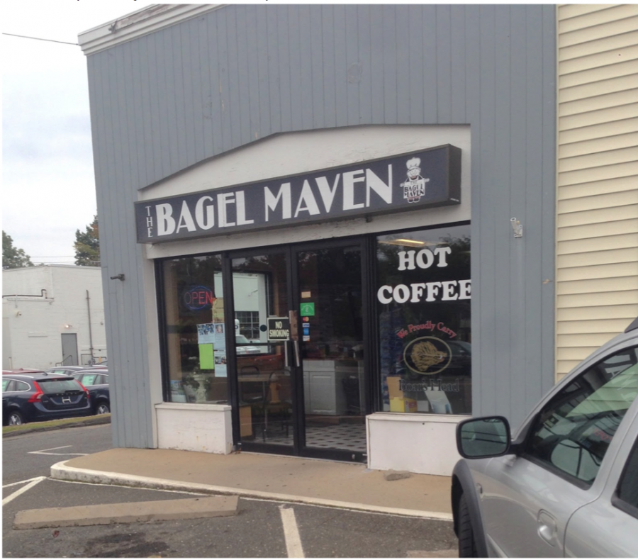 Bagel+Maven+will+close+their+location+on+the+Post+Road+today+after+24+years+of+business.