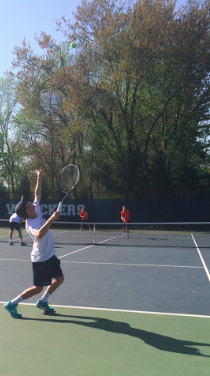 Staples boys' tennis dominates on the court