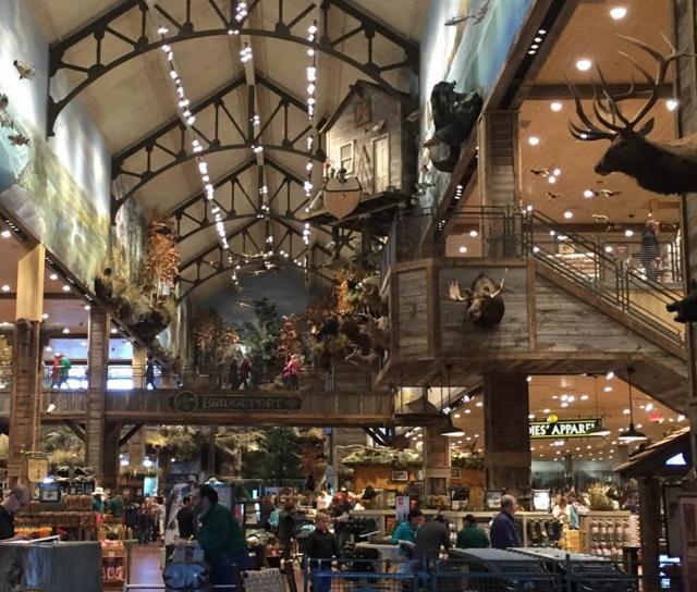 Bass Pro Shop: outdoors, shopping, bowling, cabin