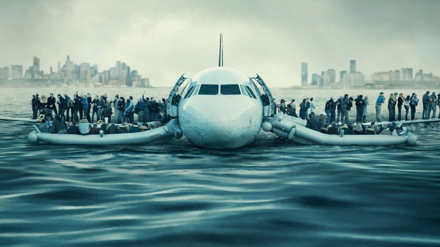 """Tom Hanks continues to fly in """"Sully"""""""
