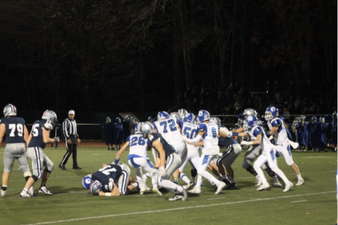 Staples football falls to Darien in final home game