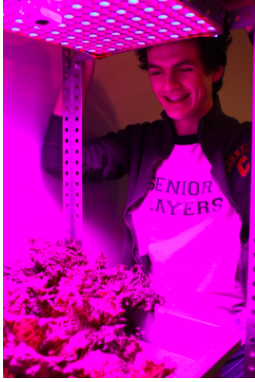 [April 2017] O'Brien engineers a love for plants using his passion for theatre