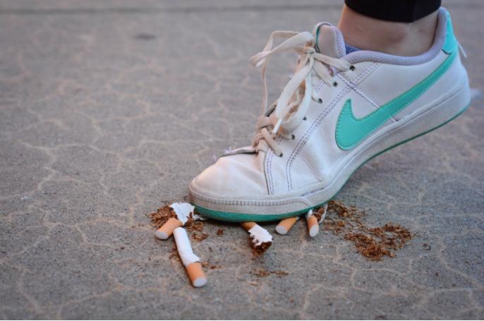 [April 2017] Cigarette alternatives seize the Staples social scene