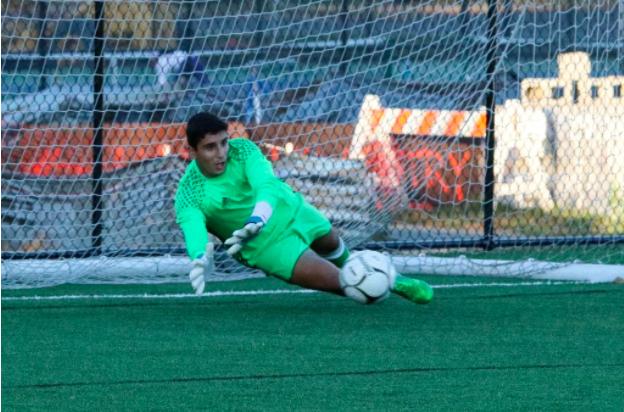 Staples Boys' Soccer Clinch FCIAC