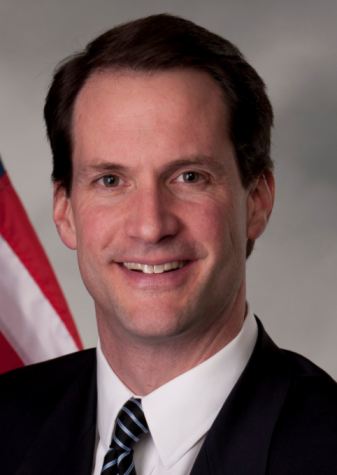 Congressman Jim Himes visits library
