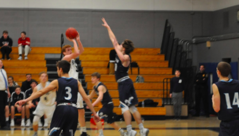 Staples boys' basketball suffers tough loss To Wilton