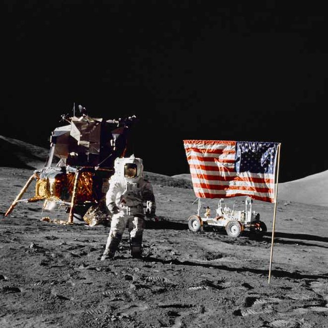 US+flag+planting+unnecessarily+omitted+from+Neil+Armstrong+biopic+%E2%80%9CFirst+Man%E2%80%9D