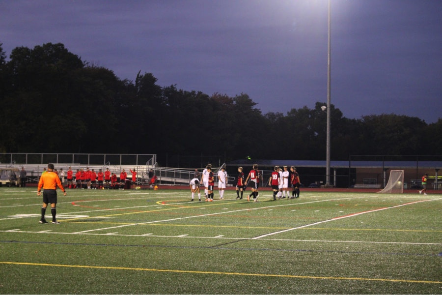 The Wreckers and Mustangs prepare for a free kick during their matchup at Fairfield Warde on Thursday, Sept. 26. Warde won by a small margin with a score of 1-0 in an aggressive game loaded with fouls and free kicks, extending their undefeated streak, while the Wreckers fell to 3-2-1.