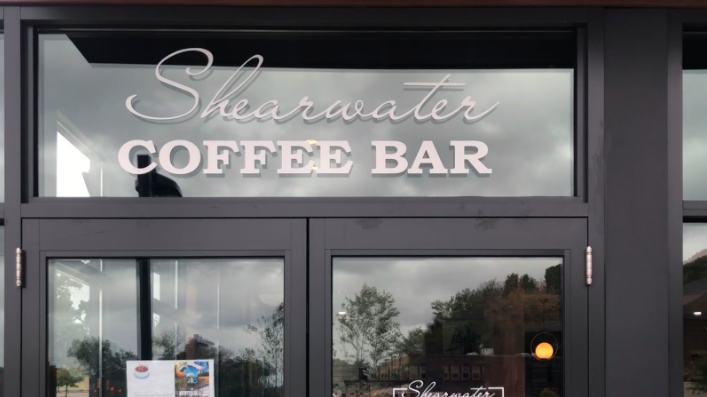 Shearwater+Coffee+Bar%2C+the+newest+addition+to+Westports+assortment+of+cafes+and+restaurants%2C+offers+a+wide+variety+of+snacks%2C+drinks+and+meals.+Staples+students+have+taken+advantage+of+the+new+space+as+the+school+year+ramps+up.