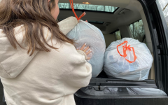 In the clothing drive, each participant labeled every bag with size and gender description and placed it near their mailbox. Levitt then planned a pickup within 24 hours.