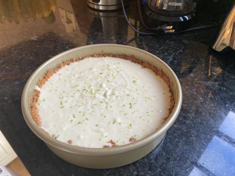 This is an easy to make key lime pie recipe, with graham crackers crust for everyone to enjoy.